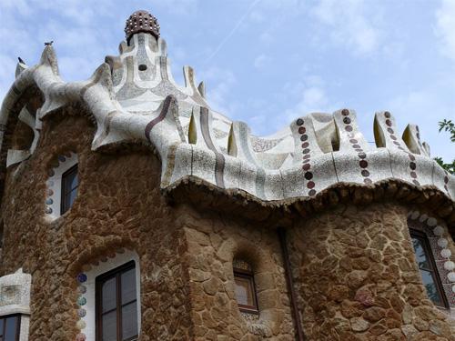 Gaudi-front-2